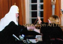 Торжественное вручение Корсунской иконы Пресвятой Богородицы